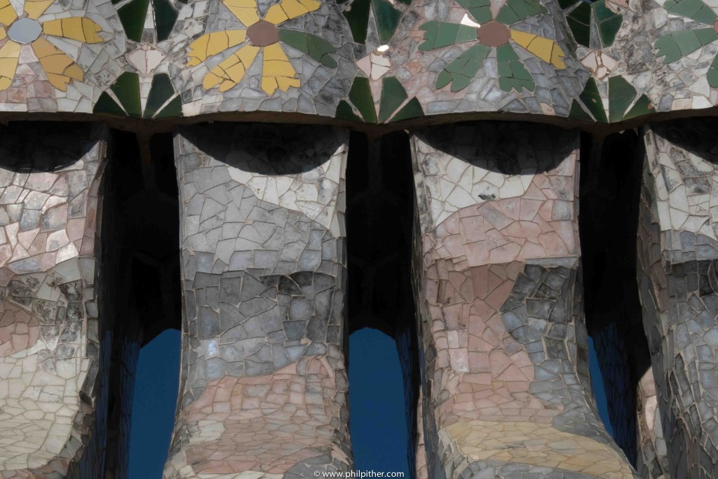Casa Battlo, Gaudi's rooftop decorations